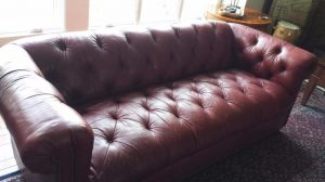 How to prevent cracked leather furniture