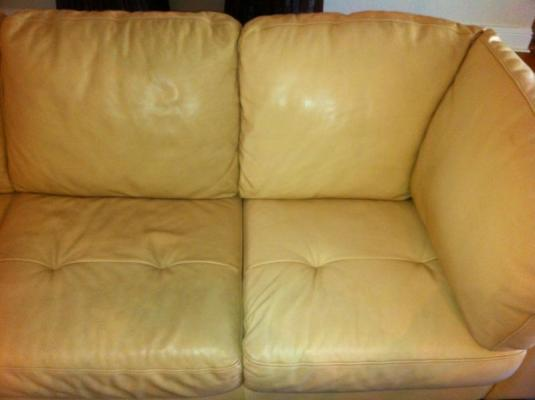 Photo Leather Sofa Cleaning And Conditioning In Tampa Florida - Leather sofas tampa